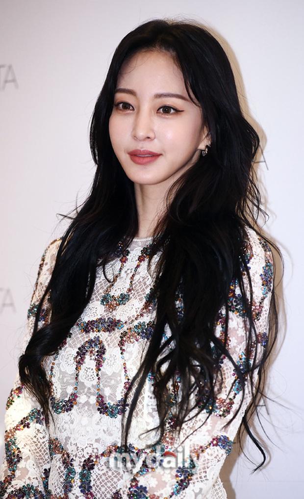 Han Ye Seul gây choáng với vóc dáng nuột nà khó tin ở tuổi U40 nhưng khuôn mặt lại lộ dấu hiệu thẩm mỹ quá đà - Ảnh 5.