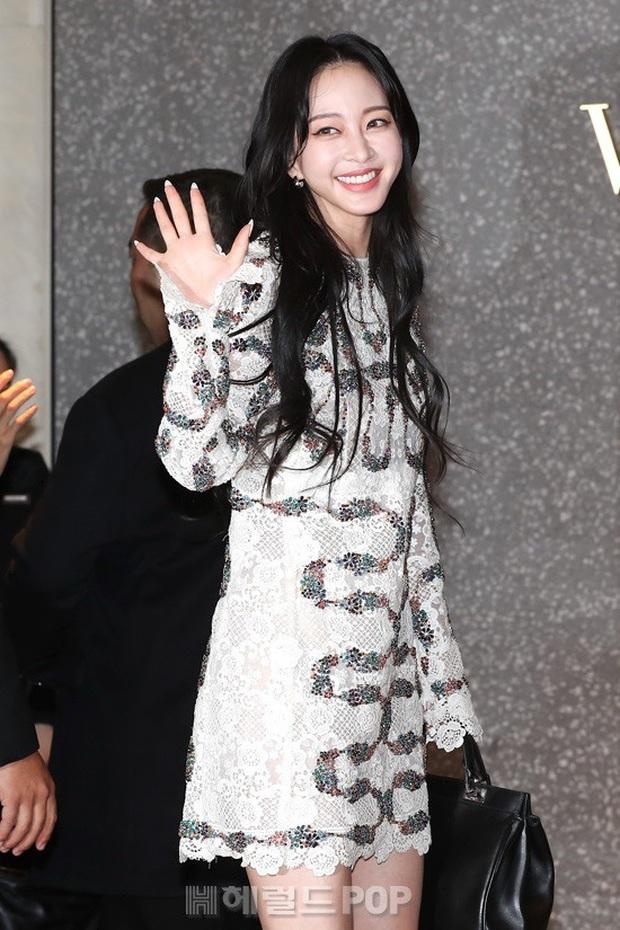 Han Ye Seul gây choáng với vóc dáng nuột nà khó tin ở tuổi U40 nhưng khuôn mặt lại lộ dấu hiệu thẩm mỹ quá đà - Ảnh 1.