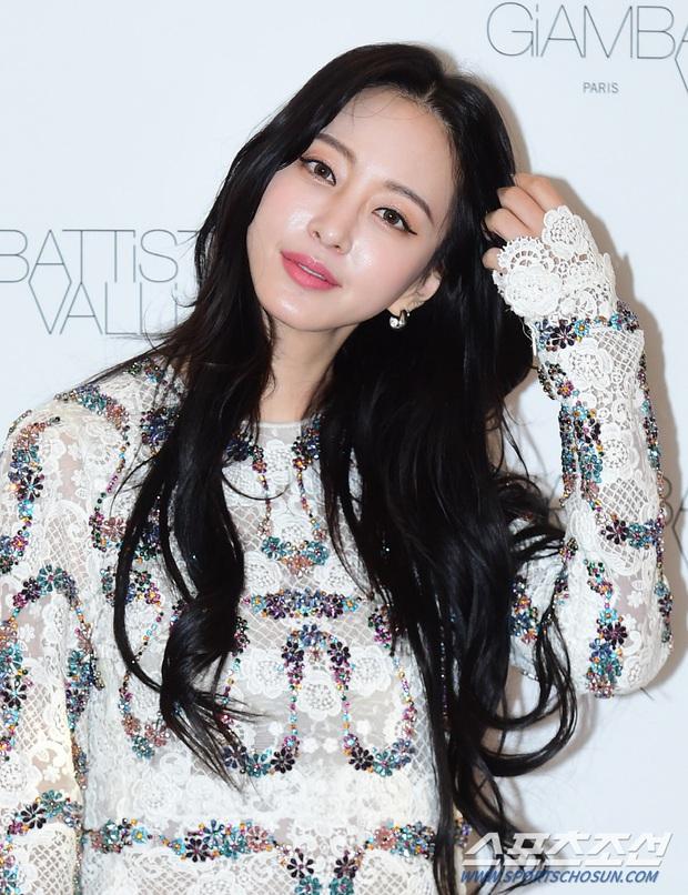 Han Ye Seul gây choáng với vóc dáng nuột nà khó tin ở tuổi U40 nhưng khuôn mặt lại lộ dấu hiệu thẩm mỹ quá đà - Ảnh 3.