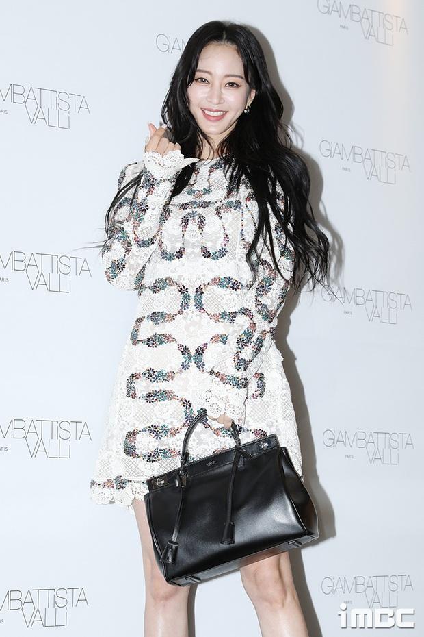 Han Ye Seul gây choáng với vóc dáng nuột nà khó tin ở tuổi U40 nhưng khuôn mặt lại lộ dấu hiệu thẩm mỹ quá đà - Ảnh 8.
