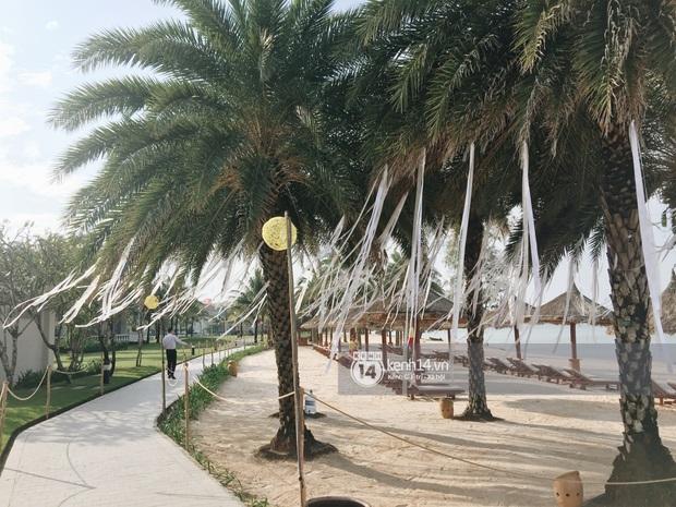 Độc quyền: Không gian lễ cưới Đông Nhi - Ông Cao Thắng đã hoàn thiện, đẹp lung linh như cổ tích giữa biển đảo Phú Quốc - Ảnh 5.