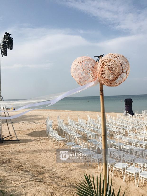 Độc quyền: Không gian lễ cưới Đông Nhi - Ông Cao Thắng đã hoàn thiện, đẹp lung linh như cổ tích giữa biển đảo Phú Quốc - Ảnh 2.