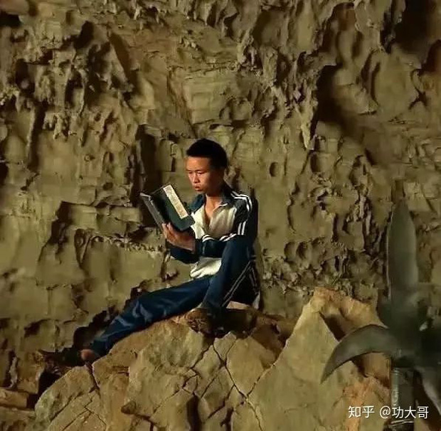 Say mê kiếm hiệp Kim Dung, chàng trai quyết tâm bỏ nhà lên núi tu luyện võ công để trở thành thiên hạ vô địch - Ảnh 1.