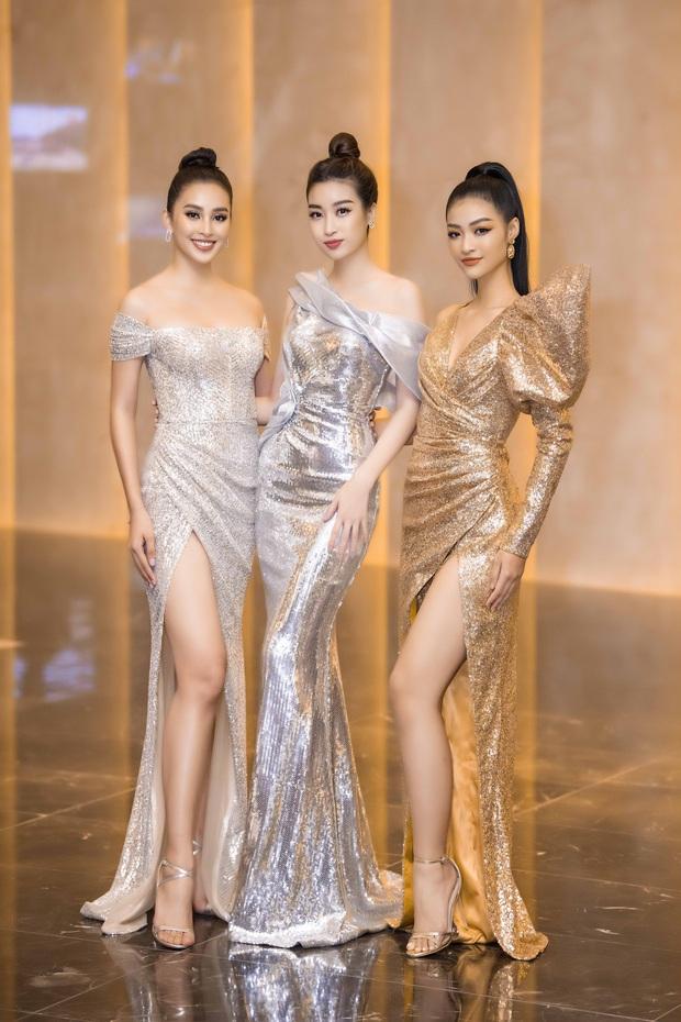 Khoảnh khắc gây bão: Khi dàn Hoa hậu Vbiz và cầu thủ đình đám đứng chung khung hình, sắc vóc quá đỉnh - Ảnh 9.