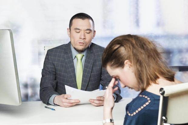 Nhật ký phỏng vấn gặp nhà tuyển dụng vô duyên: Chỉ thích chê bai và độc thoại khiến ứng viên ngán ngẩm - Ảnh 2.