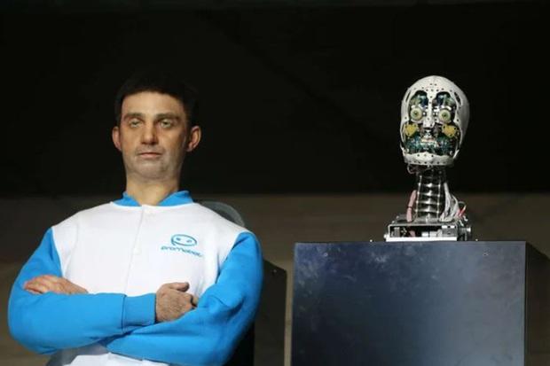 Kinh ngạc mẫu robot có thể biến hình như Bạch Cốt Tinh, đóng giả bất kỳ ai trên thế giới - Ảnh 1.