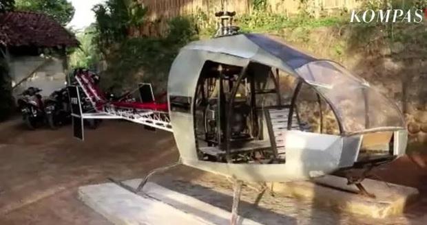 Ngán ngẩm tắc đường mỗi ngày, ông chú chi gần 14 tỉ tự chế máy bay trực thăng đi cho thoáng - Ảnh 1.