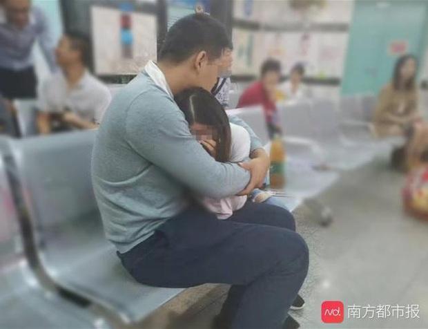 2 tuần sau khi bố nhận điện thoại từ trường mẫu giáo, con trai 5 tuổi qua đời, nguyên nhân do ngộ độc bởi thuốc diệt chuột - Ảnh 2.