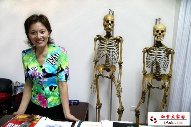 Nữ bác sĩ pháp y xinh đẹp nhất Trung Quốc: Phá bỏ định kiến giới tính trong công việc, bất chấp mọi hoàn cảnh để đưa sự thật ra ánh sáng - Ảnh 3.