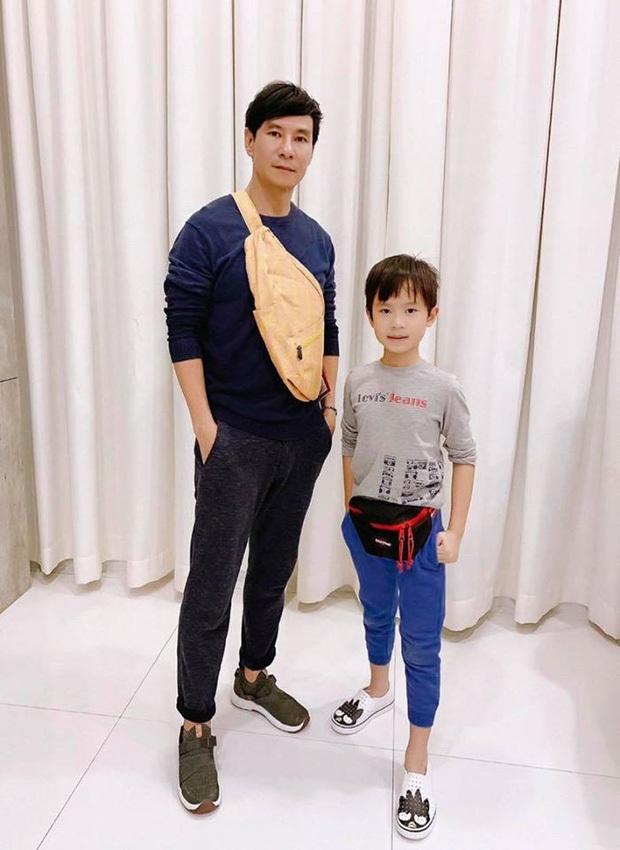 Không chỉ học 4 ngoại ngữ, con trai 8 tuổi của Lý Hải - Minh Hà còn viết chữ đẹp như mẫu in, nhưng tiết lộ sau đó càng bất ngờ - Ảnh 3.