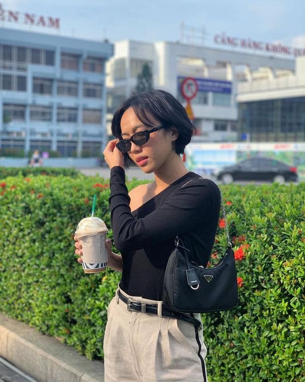 Không hẹn mà gặp, Phạm Quỳnh Anh - Diệu Nhi cùng diện áo lệch vai ra sân bay nhưng nhân vật mà fan réo tên lại là Ngọc Trinh - Ảnh 5.