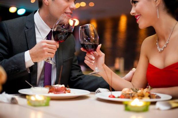 """Đi ăn cưới hay dùng tiệc nhà hàng chắc ai cũng từng mắc những sai lầm này, lưu ý ngay để bớt """"kém sang"""" trong mắt người khác nhé! - Ảnh 2."""