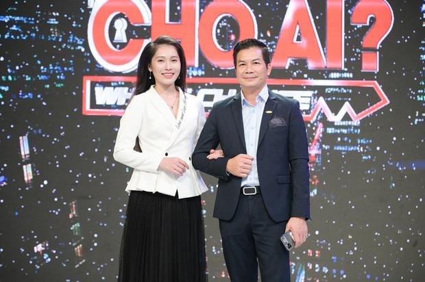Vợ Á hậu kém 16 tuổi tình cảm tháp tùng Shark Hưng đi quay show thực tế - Ảnh 3.