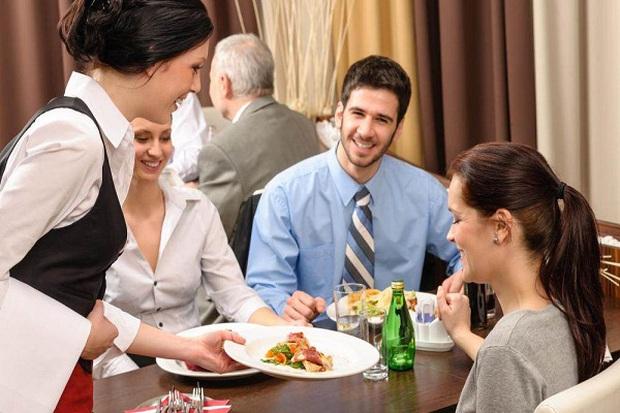 """Đi ăn cưới hay dùng tiệc nhà hàng chắc ai cũng từng mắc những sai lầm này, lưu ý ngay để bớt """"kém sang"""" trong mắt người khác nhé! - Ảnh 3."""