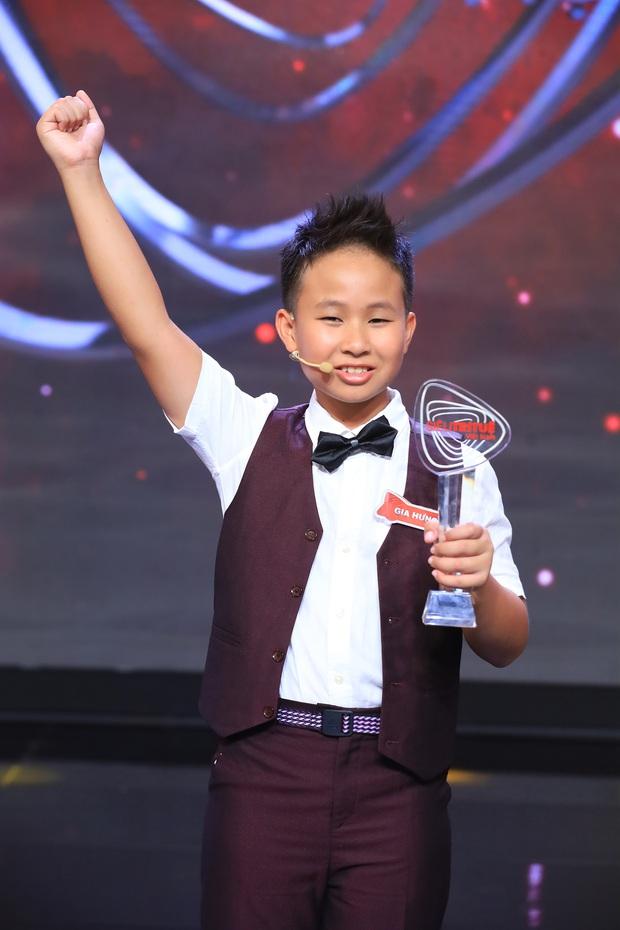 Siêu trí tuệ: Cậu bé 12 tuổi mất 11 giây để khai căn dãy 63 con số khiến cả trường quay bùng nổ vì tự hào - Ảnh 4.