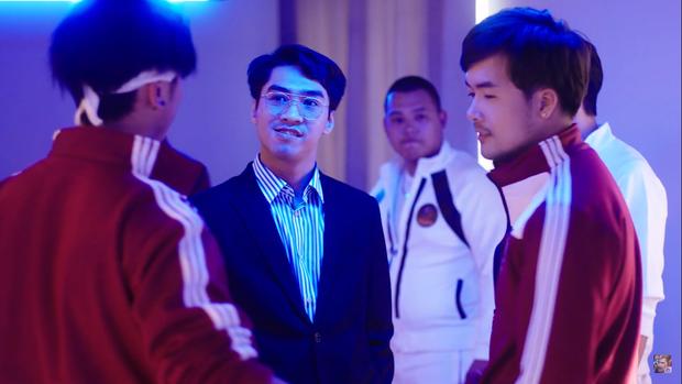 Pewpew lột xác bất ngờ, hóa thân thành ông chủ độc tài trong bộ phim về eSports đầu tiên của Việt Nam - Ảnh 3.