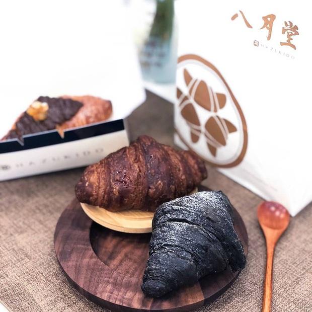 Ra mà xem bánh sừng bò trân châu đen đang sốt xình xịch ở Đài Loan khiến hội sành ăn thi nhau review đây này - Ảnh 6.