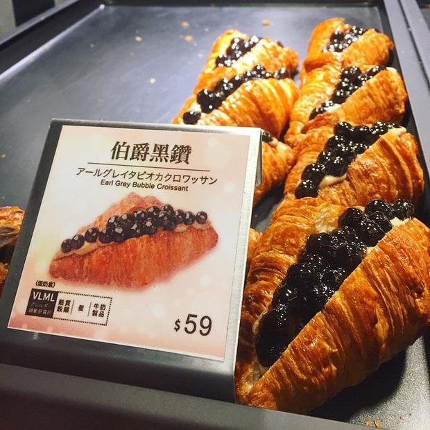 Ra mà xem bánh sừng bò trân châu đen đang sốt xình xịch ở Đài Loan khiến hội sành ăn thi nhau review đây này - Ảnh 2.
