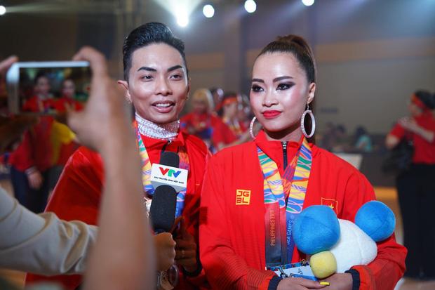 Phan Hiển chính thức giành HCV tại SEA Games 30, Khánh Thi lập tức òa khóc nức nở, ôm chầm lấy chồng vì quá hạnh phúc! - Ảnh 2.