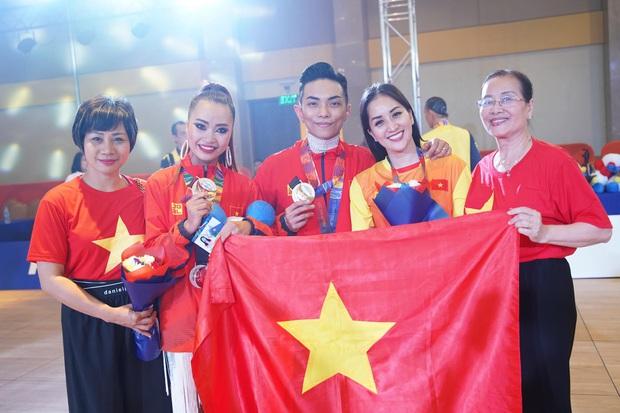 Phan Hiển chính thức giành HCV tại SEA Games 30, Khánh Thi lập tức òa khóc nức nở, ôm chầm lấy chồng vì quá hạnh phúc! - Ảnh 8.