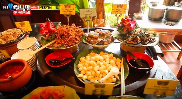 Dàn sao Running Man đã từng mê mẩn ẩm thực Việt Nam như này, liệu fanmeeting có thưởng thức thêm món nào không đây? - Ảnh 17.