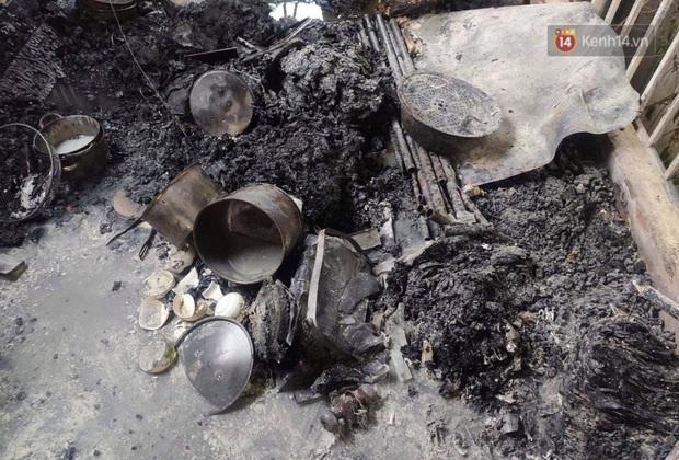 Vụ cháy nhà 3 bà cháu tử vong ở Hà Nội: Đêm qua sinh nhật bà - Ảnh 2.