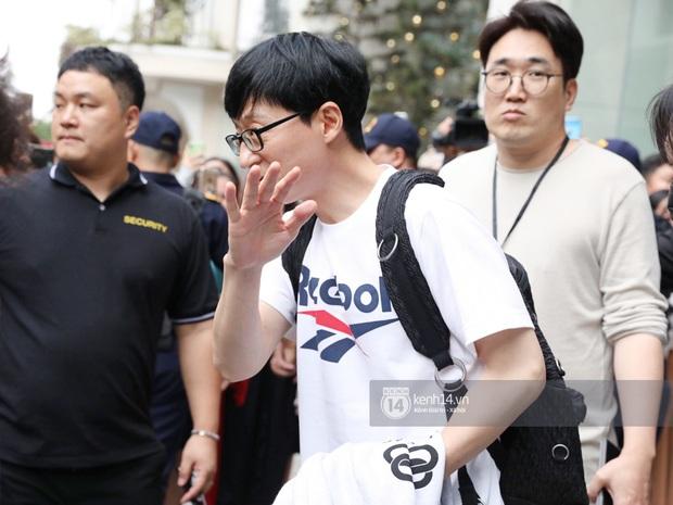 Dàn Running Man rời khách sạn đi tổng duyệt: Ngã ngửa vì tóc của Lee Kwang Soo, Hổ cười tít nhưng Ji Hyo sao thế này? - Ảnh 9.