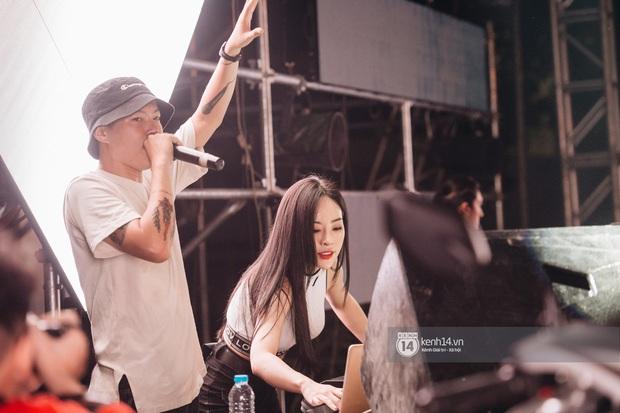 Binz gây choáng khi cởi trần khoe cơ bắp, Vũ - Ngọt Band thổi làn gió mới cho Yamaha Road to Ravolution: DJ Battle tại Hà Nội - Ảnh 3.