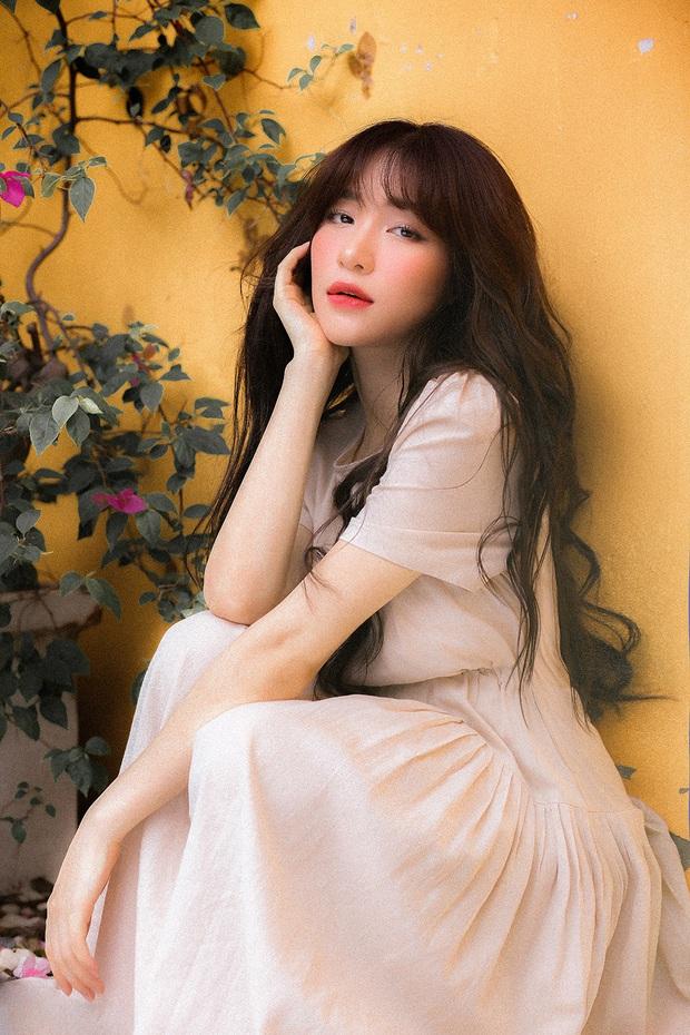 Giữa tin đồn sinh con, Hoà Minzy bất ngờ ra ca khúc mới không kèn trống làm nhiều khán giả hụt hẫng - Ảnh 2.