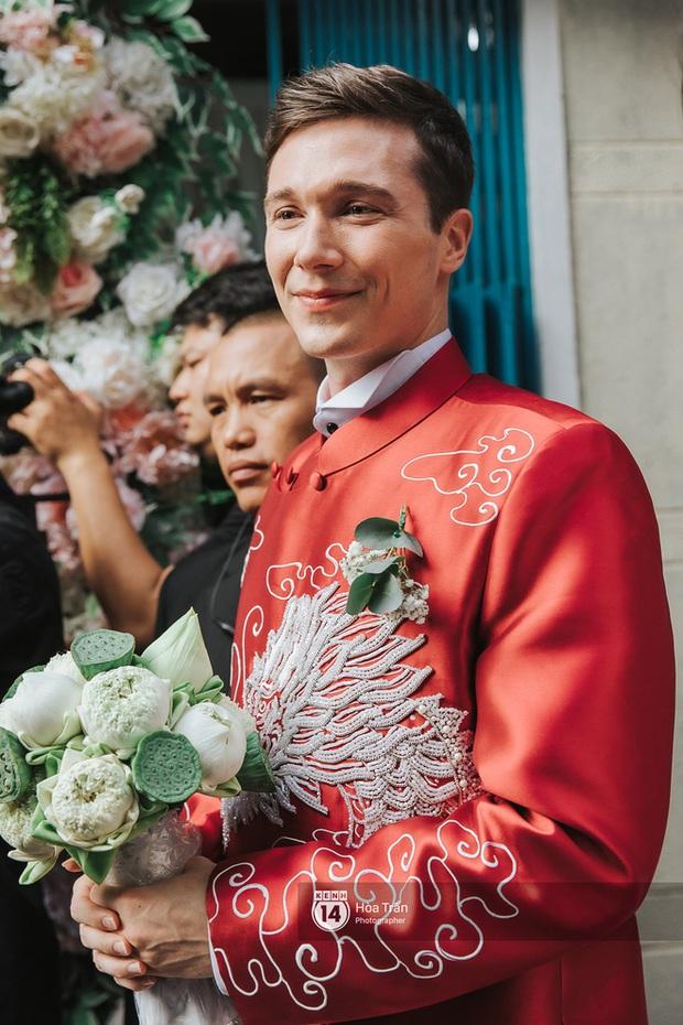Chân dung ông xã Tây của MC Hoàng Oanh: Thông tin đời tư cực hiếm, đẹp trai cực phẩm với mũi cao, body vạm vỡ - Ảnh 2.