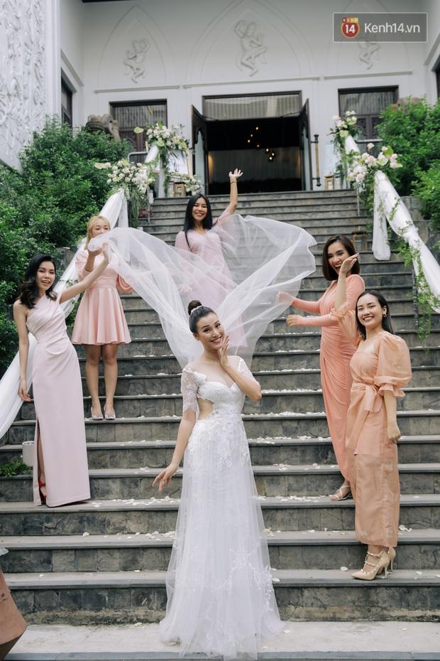 Nhã Phương sánh đôi với Trường Giang, cùng dàn sao Vbiz tới chung vui trong đám cưới Hoàng Oanh - Ảnh 24.