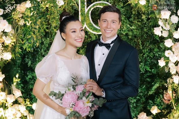 Huỳnh Anh âm thầm like ảnh MC Hoàng Oanh và chồng Tây dù đã huỷ theo dõi MXH - Ảnh 3.