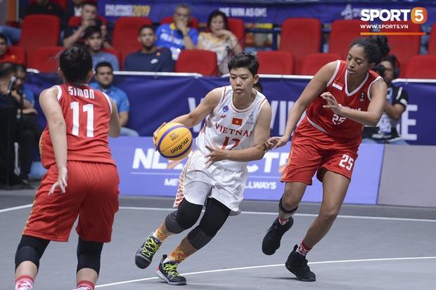 Bóng rổ SEA Games 30: Đội tuyển nữ Việt Nam có chiến thắng đầu tiên sau trận đấu áp đảo trước Indonesia - Ảnh 4.