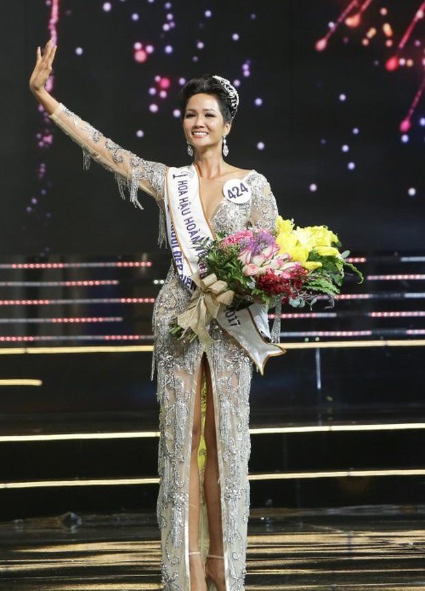 Lộ vương miện cho Tân Hoa hậu Hoàn vũ Việt Nam: Đính toàn ngọc trai và đá quý, mất 6 tháng chế tác bởi nghệ nhân lành nghề - Ảnh 3.