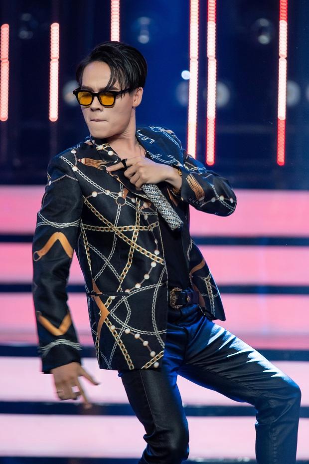 Gương mặt thân quen: Võ Tấn Phát mang vũ đạo gãy tay của Sơn Tùng M-TP lên sân khấu - Ảnh 3.