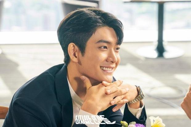 Review Love With Flaws: Đủ chiêu trò từ hội mỹ nam át vía Ahn Jae Hyun tới châm ngôn trai đẹp thì đểu, trai xấu thì tốt - Ảnh 9.