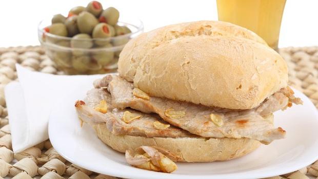 Những phiên bản bánh mì sandwich vòng quanh thế giới có thể khiến bạn phải ngỡ ngàng, có nơi còn cực kỳ khó ăn - Ảnh 20.