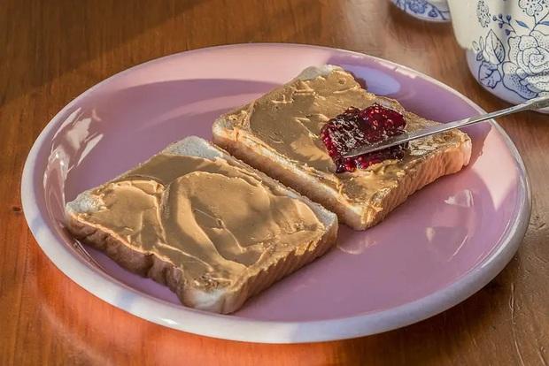Những phiên bản bánh mì sandwich vòng quanh thế giới có thể khiến bạn phải ngỡ ngàng, có nơi còn cực kỳ khó ăn - Ảnh 22.