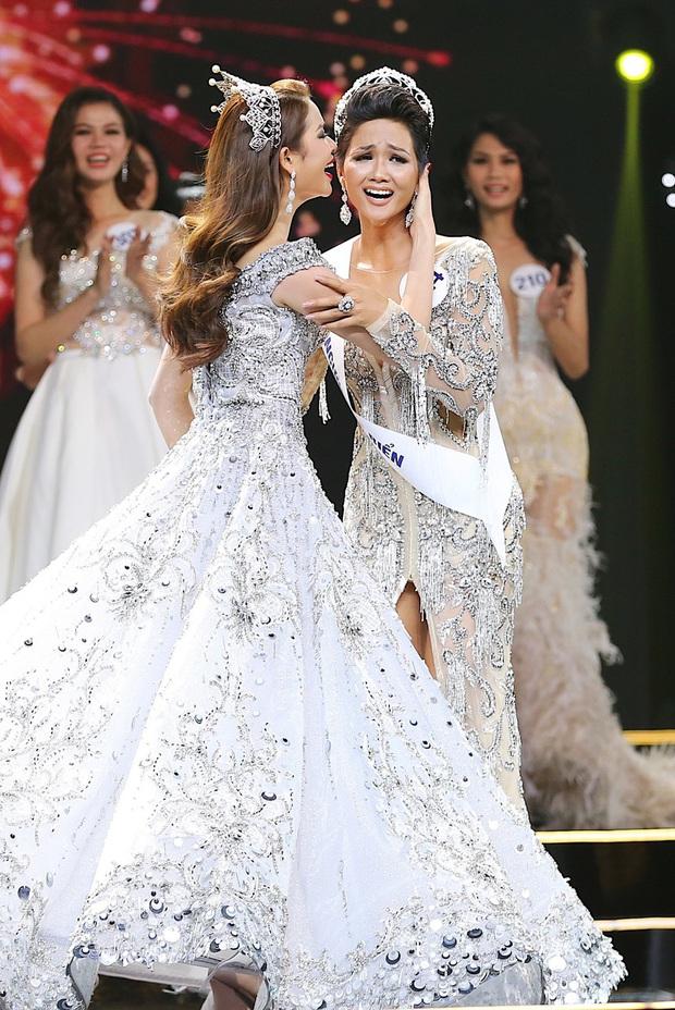 So kè 4 Hoa hậu Hoàn vũ Việt Nam sau 10 năm: Nhan sắc không vừa, Thùy Lâm - Khánh Vân trùng hợp, H'Hen Niê đặc biệt nhất - Ảnh 14.