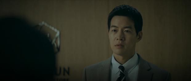 Quá điên tiết vì bị chơi xấu, Jang Nara chơi lớn dằn mặt cả bố lẫn con nhà tiểu tam ở Vị Khách Vip tập 12 - Ảnh 1.