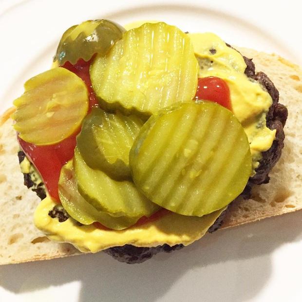 Những phiên bản bánh mì sandwich vòng quanh thế giới có thể khiến bạn phải ngỡ ngàng, có nơi còn cực kỳ khó ăn - Ảnh 36.