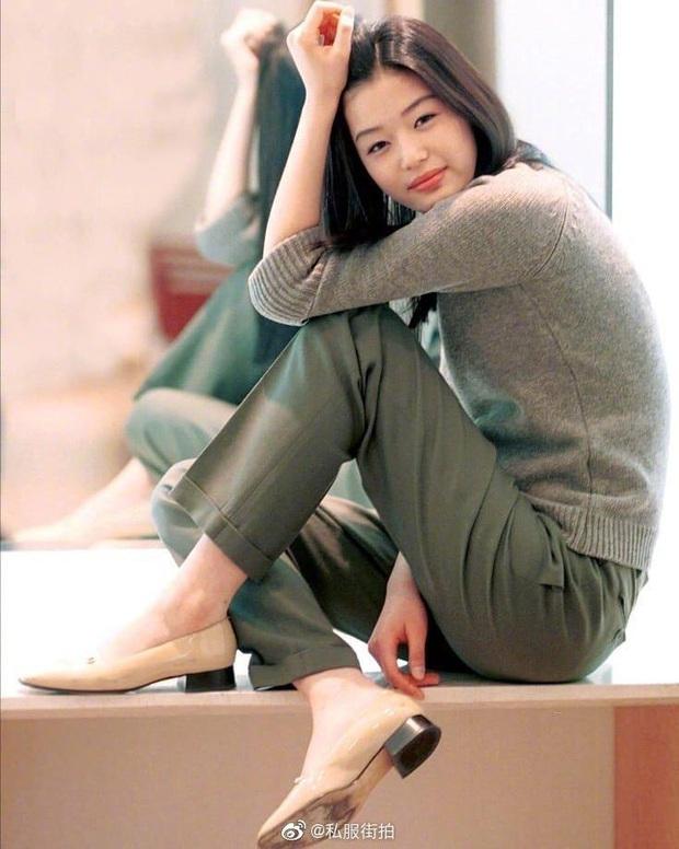 Nữ ca sĩ đình đám hé lộ tính cách thật, đẳng cấp nhan sắc của mợ chảnh Jeon Ji Hyun hồi cấp 2 - Ảnh 3.