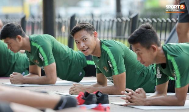 Đội tuyển U22 Việt Nam đã có mặt tại sân, sẵn sàng chinh phục tấm HCV SEA Games - Ảnh 58.