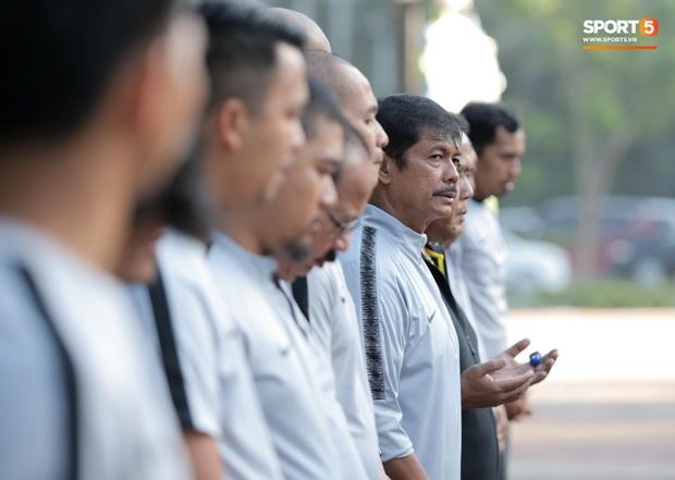 U22 Indonesia tập thể dục ở công viên, sinh hoạt khác biệt U22 Việt Nam vào sáng ngày diễn ra chung kết SEA Games 30 - Ảnh 10.
