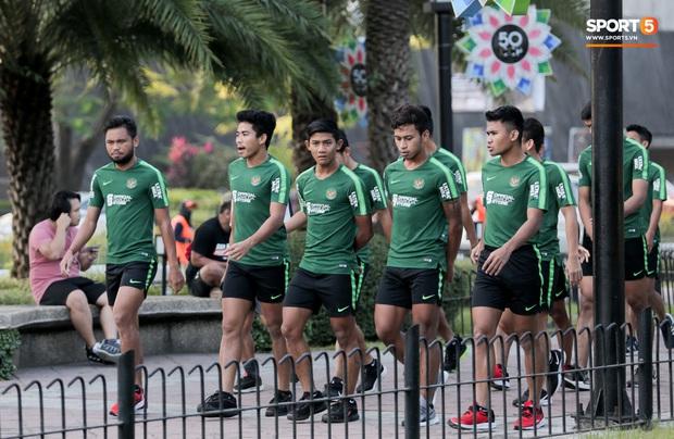 Đội tuyển U22 Việt Nam đã có mặt tại sân, sẵn sàng chinh phục tấm HCV SEA Games - Ảnh 55.