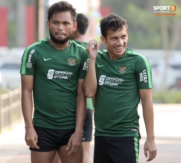 U22 Indonesia tập thể dục ở công viên, sinh hoạt khác biệt U22 Việt Nam vào sáng ngày diễn ra chung kết SEA Games 30 - Ảnh 11.