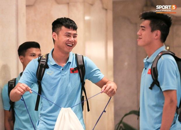 Tổng thư ký xinh đẹp bật khóc khi tiễn U22 Indonesia đến SVĐ, quyết thắng trận chung kết SEA Games 30 với Việt Nam - Ảnh 10.