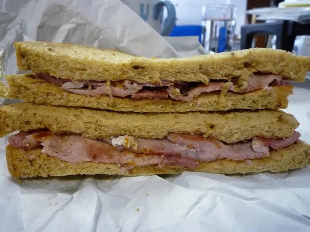 Những phiên bản bánh mì sandwich vòng quanh thế giới có thể khiến bạn phải ngỡ ngàng, có nơi còn cực kỳ khó ăn - Ảnh 11.