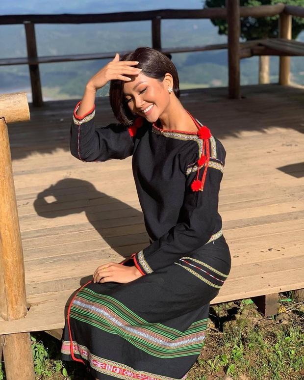 So kè 4 Hoa hậu Hoàn vũ Việt Nam sau 10 năm: Nhan sắc không vừa, Thùy Lâm - Khánh Vân trùng hợp, H'Hen Niê đặc biệt nhất - Ảnh 16.