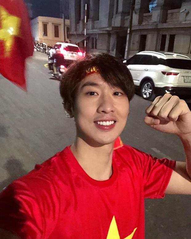 Cả dàn sao Việt nhuộm đỏ mạng xã hội khi cùng diện áo đỏ mừng chiến thắng của đội tuyển Việt Nam - Ảnh 10.